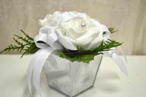 Tischdeko weiß Kunstblumen Blumen Gesteck Hochzeit Taufe Kommunion Rosen