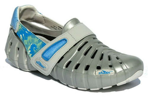Ladies Size 7//40 Sharx EVA Sandals//Deck Shoe Silver//Blue