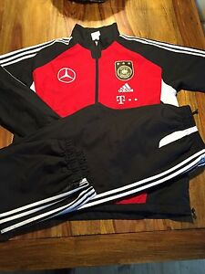 adidas trainingsanzug dfb mercedes benz gr e 5 6 7 8. Black Bedroom Furniture Sets. Home Design Ideas