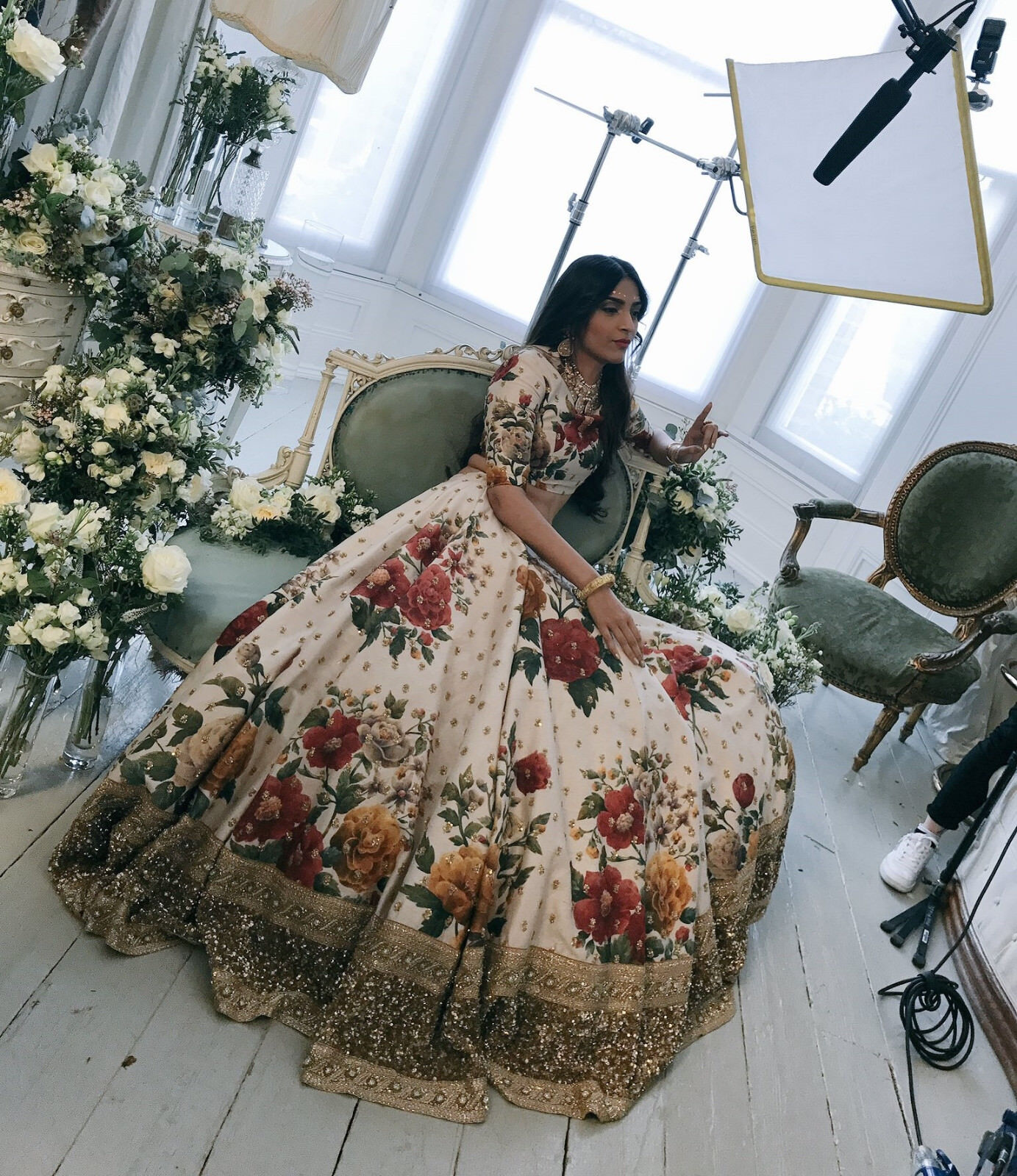 Indian Clothes For Wedding Sonam Kapoor Cream Floral Lehenga Choli Party Dress