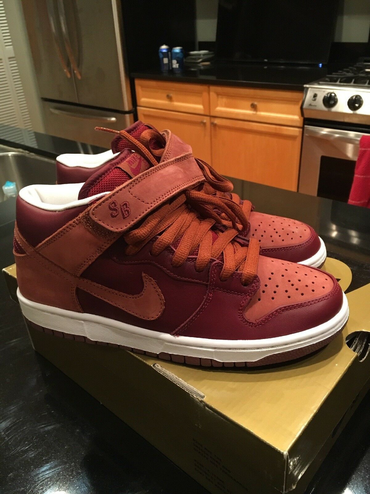 Nike Dunk Mid Pro SB –  Embarco  Team Red  Pony (314383-621) Size  7.5