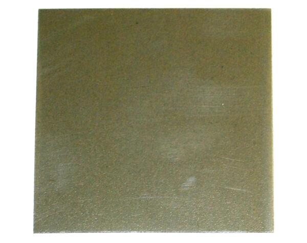 (2131,56 Euros Par Mètres Carrés) Heliopan Filtres Polarisants Film Environ 75x75mm-épaisseur 0,4 Mm (nouveau) éLéGant En Odeur