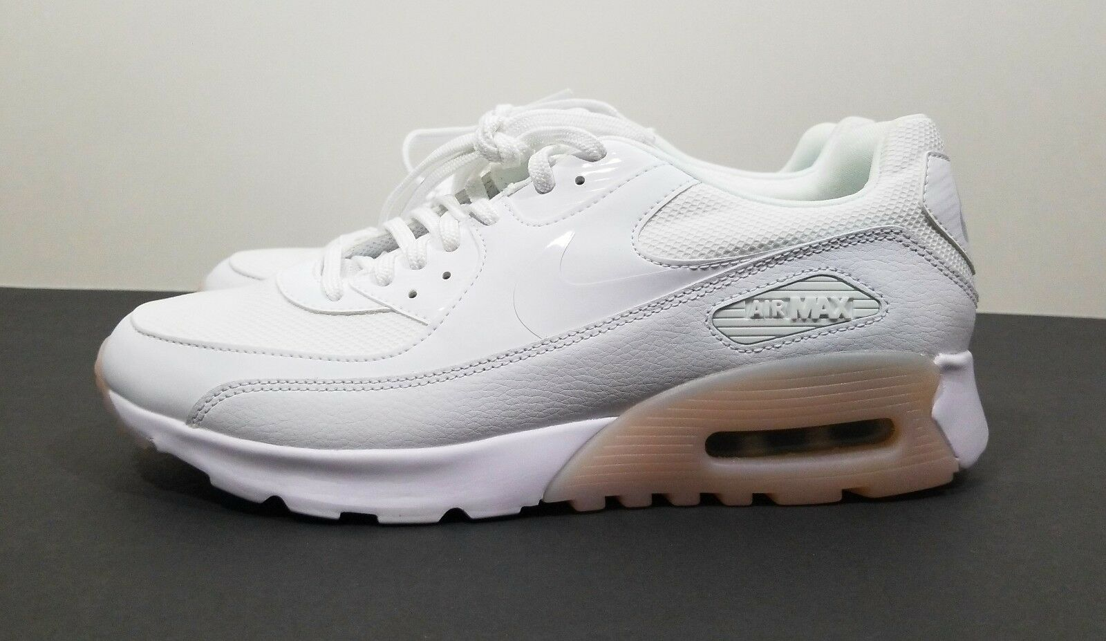 Nike Air Max 90 Ultra Essential Womens Running shoes White Size 9.5