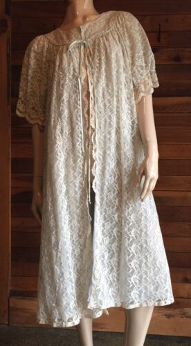 VINTAGE KEYLOUN WHITE LACE BLUE LINING SIZE MEDIUM