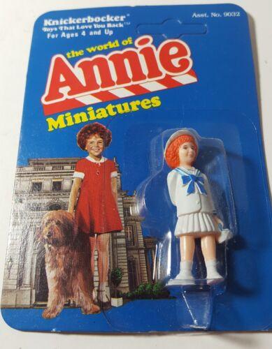 Little Orphan Annie Knickerbocker 1982 Miniatures Figure Neuf Scellé robe blanche