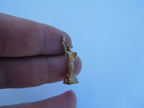 Authentic Original Vintage Retro 14K Gold Statue o