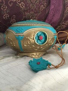 Anastasia Fox 20th Century Music Box With Necklace Rare Retired