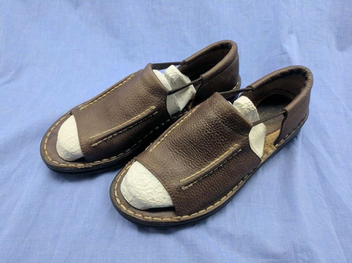 Tommy Bahama Womens 9 Brown Leather Open Pull On Sandals Shoes Open Leather Toe Summer EUC a5d471