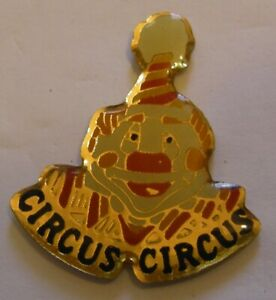 CIRCUS-CLOWN-vintage-pin-badge-Z4X