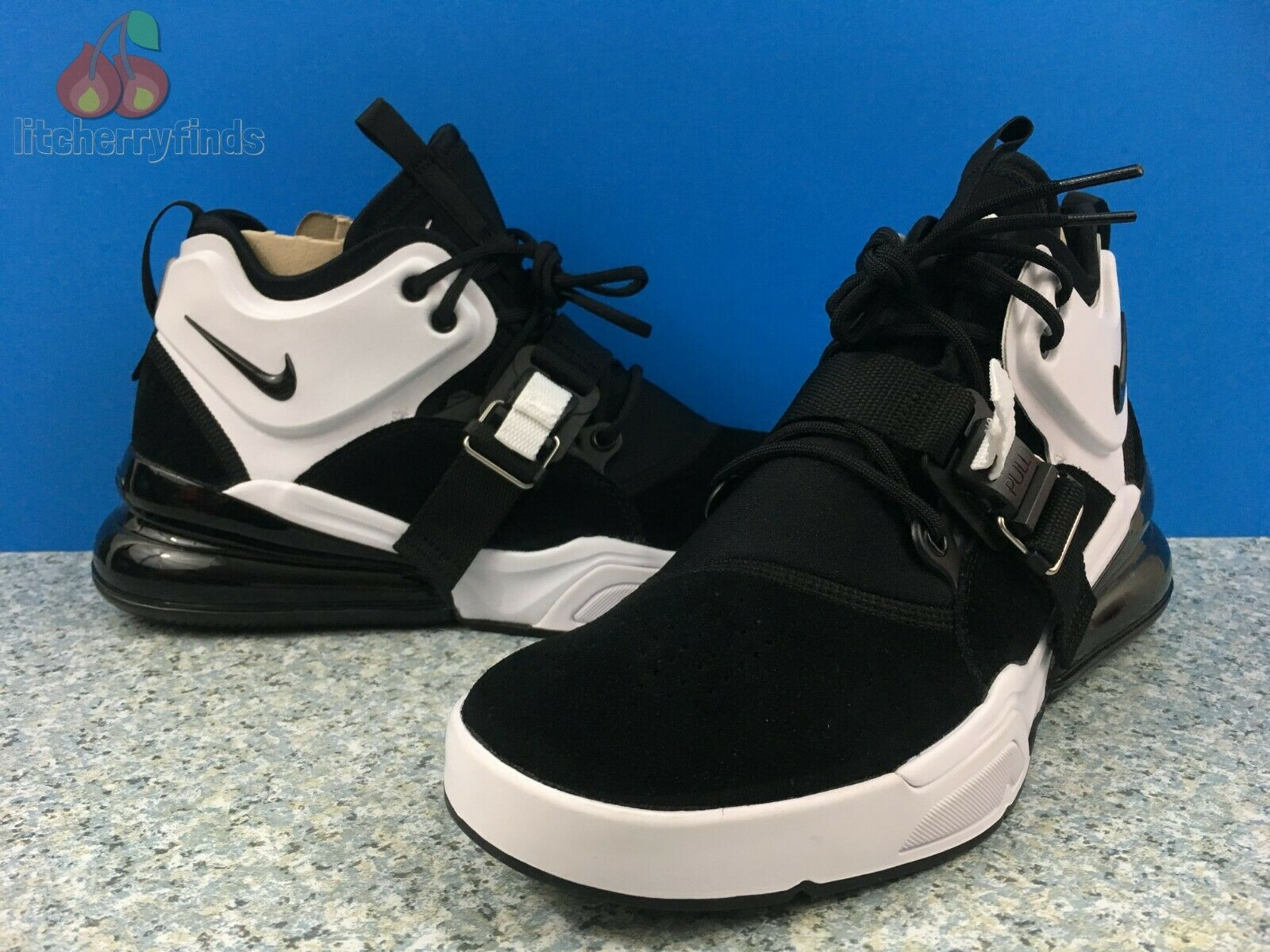 Nike Air Force 270 Mens Size 8.5 Black White Oreo Suede Off-Court Gym AH6772-006