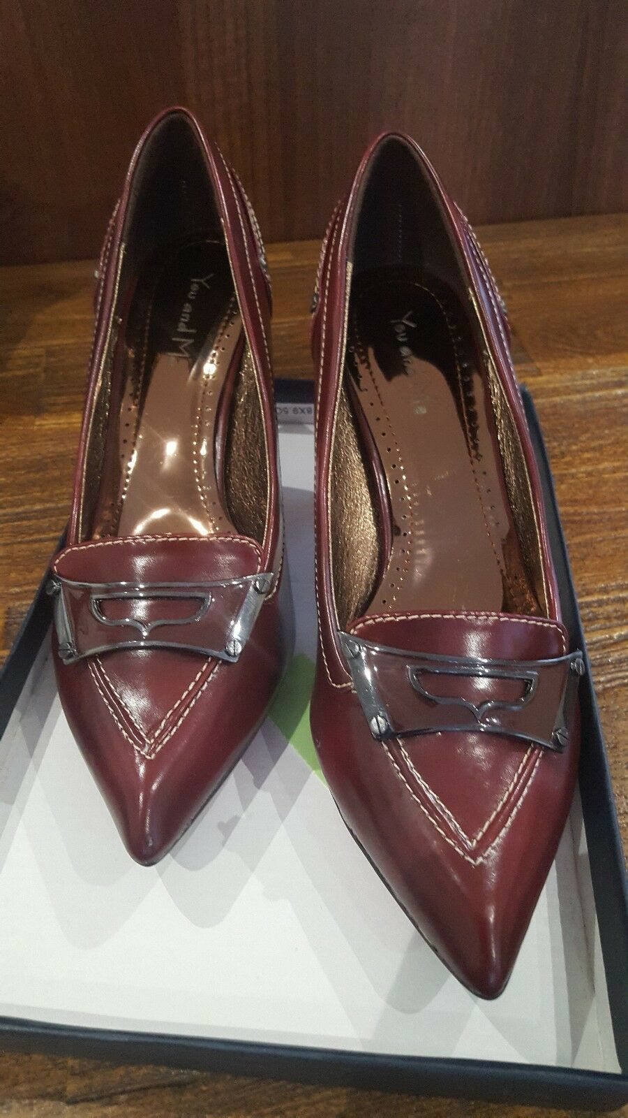 size 5 vintage looking court design shoe with buckle style design court on front 6c7566