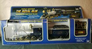 New-Bright-The-Royal-Blue-Battery-Operated-Locomotive-and-Coal-Tender-Train