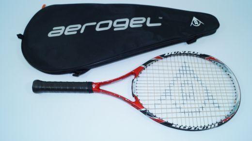 Dunlop 3Hundred Twenty6 Tennisschläger L1 racquet 255g MidPlus strung leicht