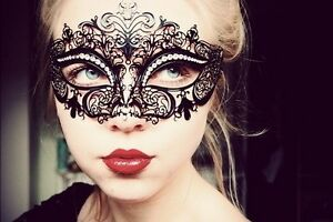Luxury-Black-Laser-Cut-Venetian-Masquerade-Mask-with-Sparkling-Rhinestones