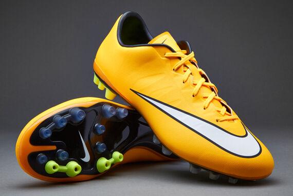 Nike The Nike Premier Mens Football