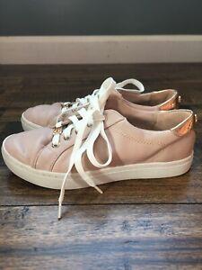 Womens-5-5-M-Liz-Claiborne-Warwick-Blush-Tennis-Shoes-Sneakers-Rose-Gold-Trim