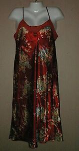 WOMENS-CINEMA-ETOILE-RED-FLORAL-SATIN-NIGHTGOWN-SIZE-M-GOWN-SPAGHETTI-STRAPS