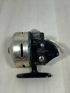 Vintage Duke No 12 Spincast Reel Made In Japan Works