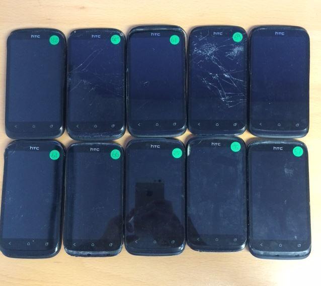 HTC Desire X (Unlocked) Black Smartphone Faulty Crack Screen & Broken For Spares