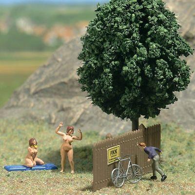 Ambizioso Admiring The Scenery (oo/ho Miniature Scene) - Busch 7669 - Free Post P3