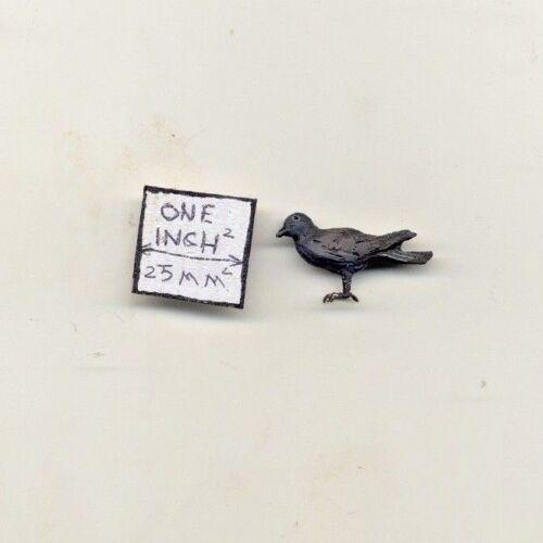 Bird Black Crow dollhouse miniature EPMC148 1//12 scale animal