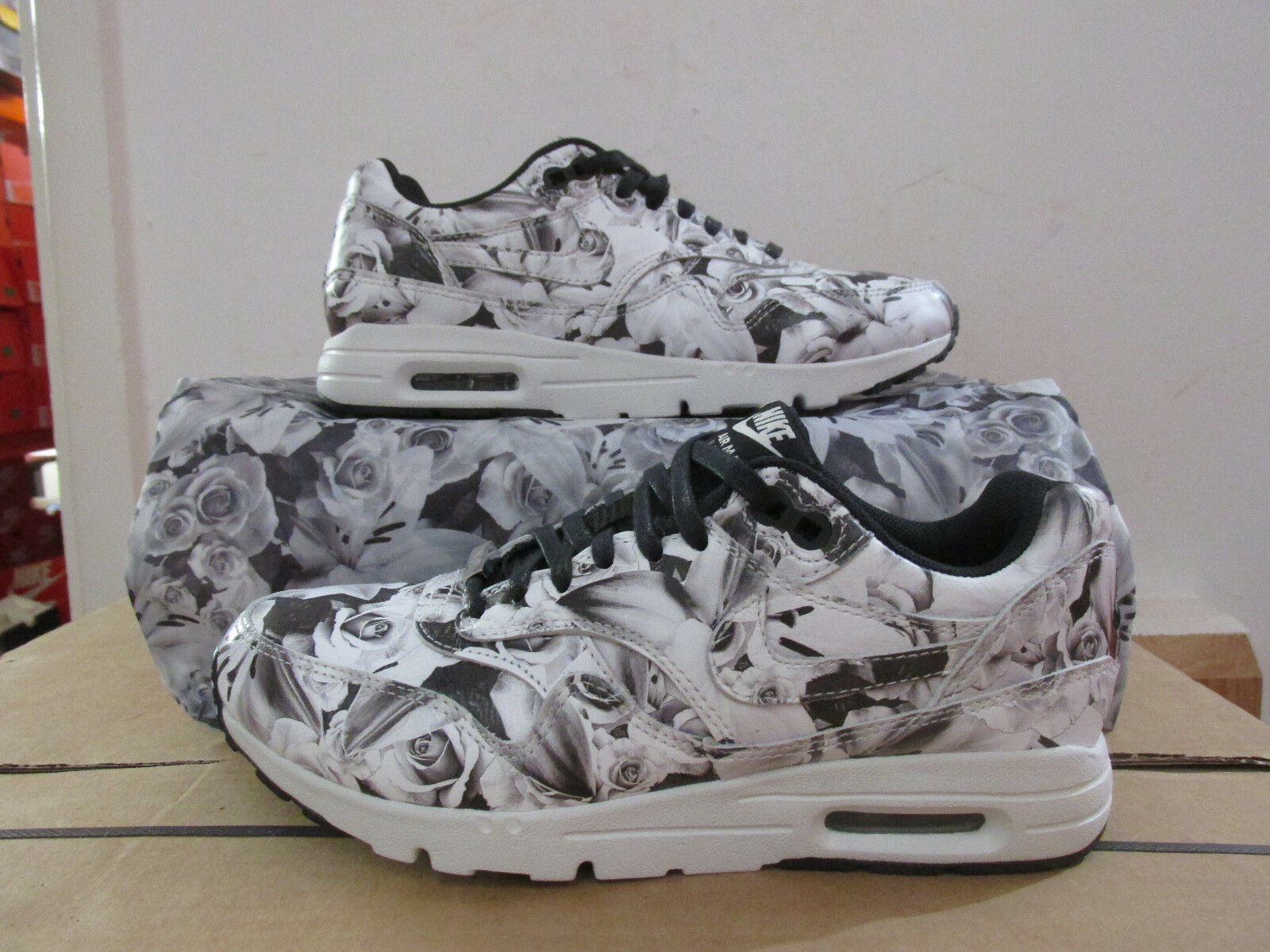 Nike womens air max 1 ultra LOTC city collection trainers 747105 001 CLEARANCE
