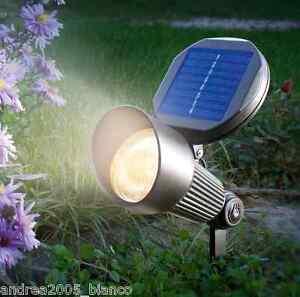 Lampada faretto ad energia solare a led da giardino crepuscolare faro luce calda ebay - Lampada ad energia solare da esterno ...