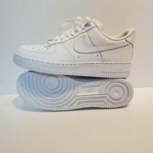 Nike 315122-111 Air Force 1 '07 US 8 Athletic Men 's Sneakers - White