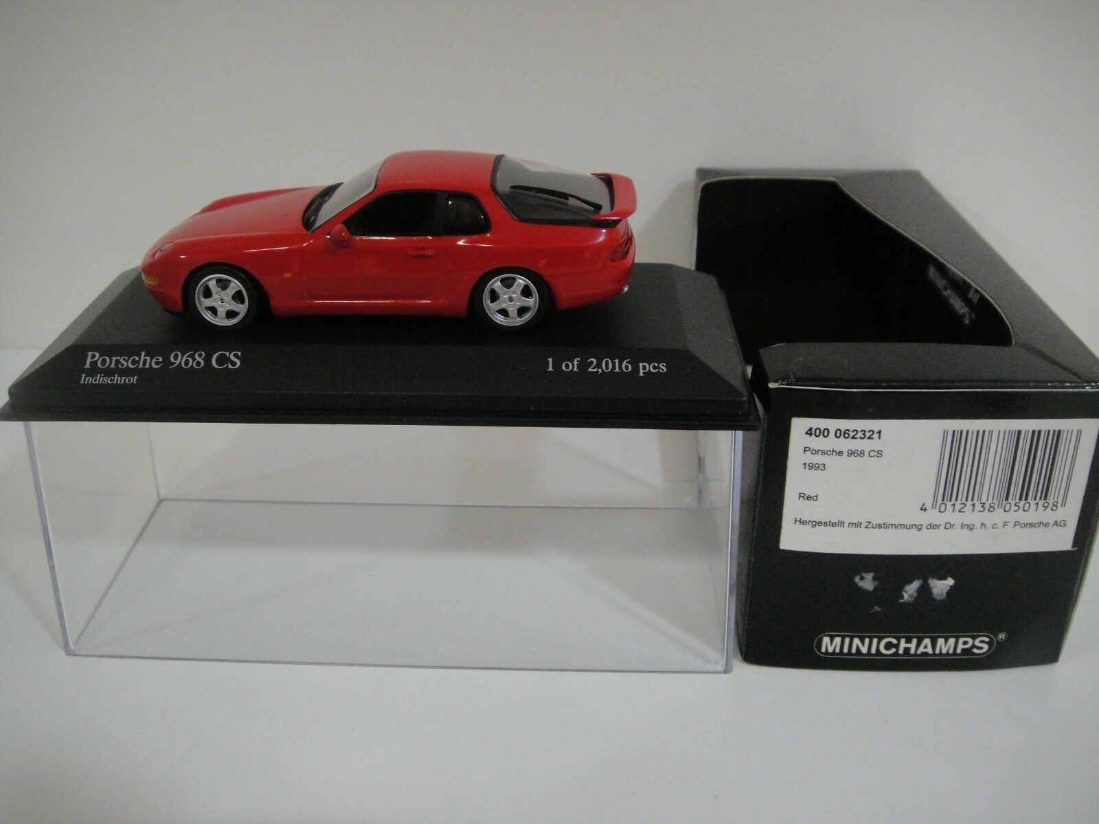 --1 43 MINICHAMPS. PORSCHE 968 CS 1993 rouge.