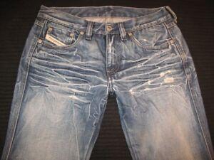 outlet store 4154b e29dd Dettagli su Diesel Zink Jeans Donna Taglie 26 Svasati 100% Cotton Altamente  Sdrucito Italia