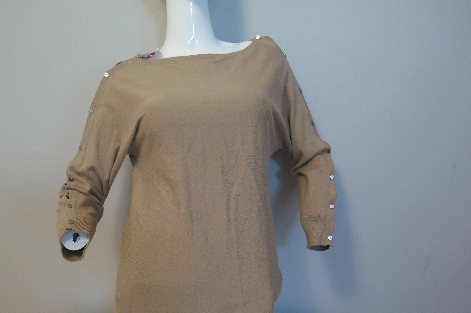 MAGASCHONI camel sweater with button closer on both sleeves size M 75%OFF