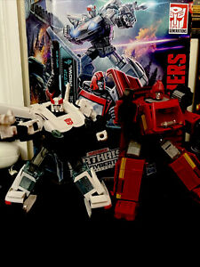 Hasbro Transformers WFC-E31 Earthrise Ironhide and Prowl Amazon 2 Pack