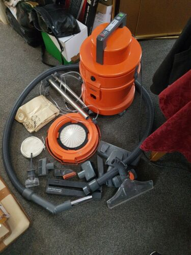 VAX MULTIVAX HOOVER AND CARPET CLEANER,WET & DRY FULLY WORKING WITH ACCESSORIES