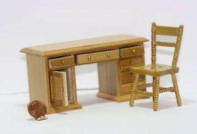 1:12 Scale Dollhouse Miniature Set of 2 Oak Wooden Picture Frames #SD1957