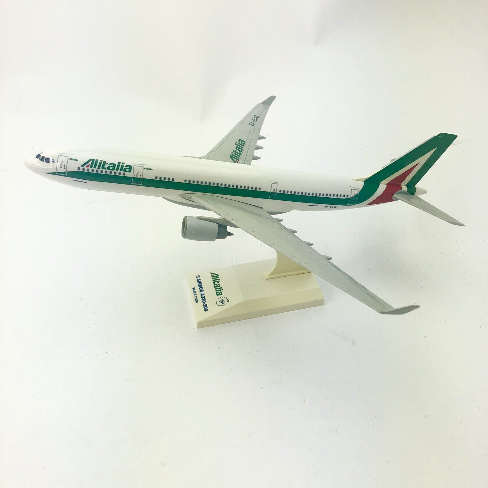 1 200 Alitalia Airbus A330-200 EI-EJG EI-EJG EI-EJG Airplane Model SkyTeam Sky Marks 422dcd