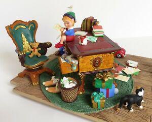 Santa-039-s-Desk-with-Toy-Box-Hallmark-Keepsake-Christmas-Figurine-Display-Elves