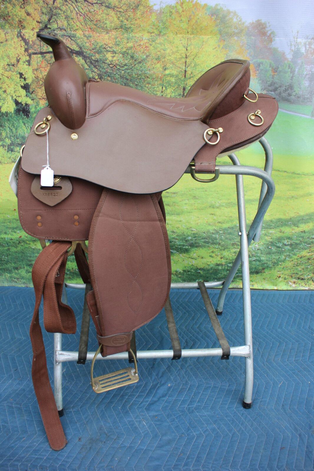 43-30  King Series 16.5  lightweight endurance saddle