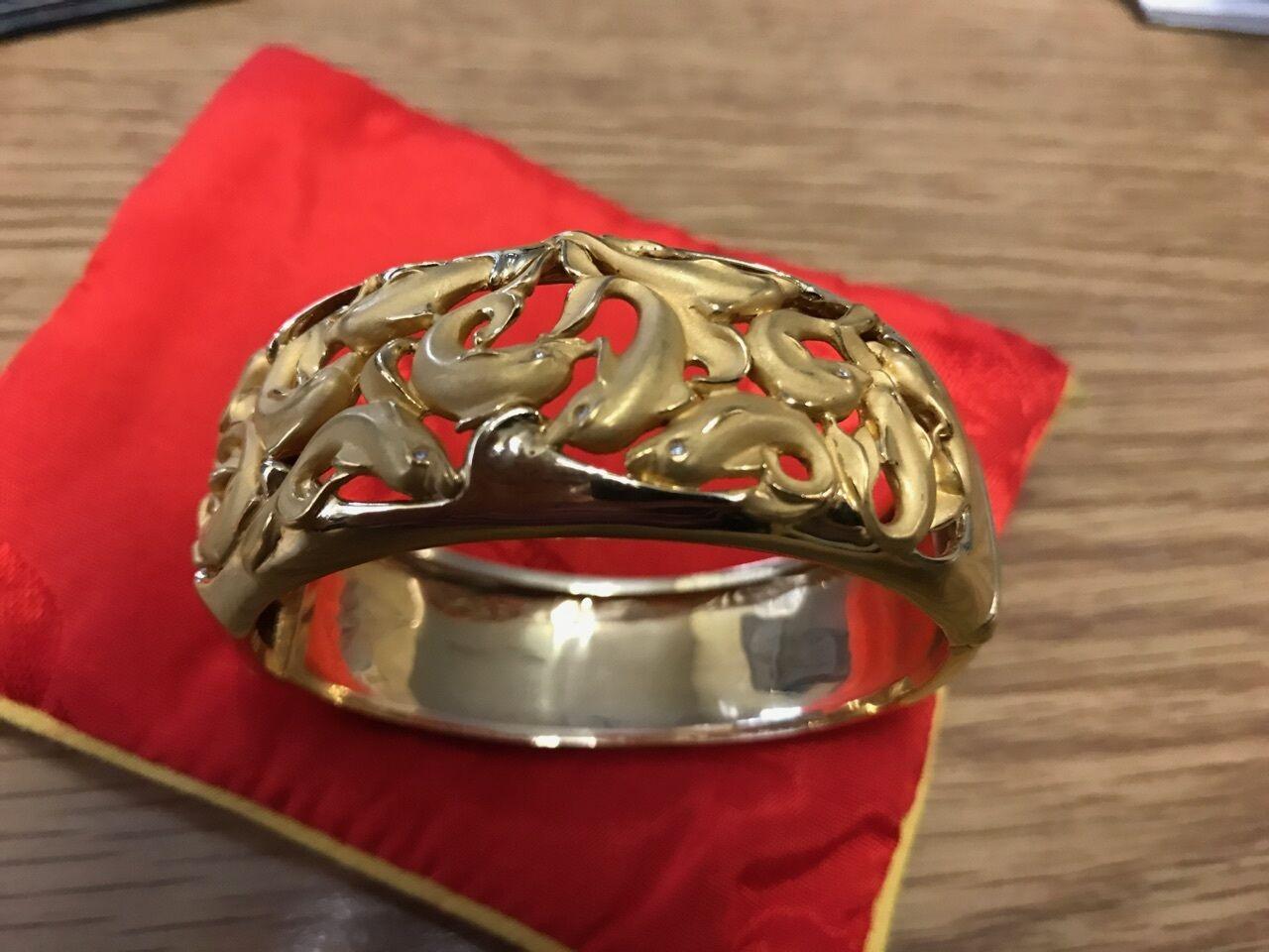 Carrera y Carrera -  Dolphin  18k Yellow gold Diamond eyes bracelet MSRP  20k+