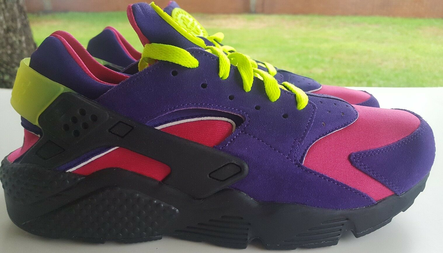 NIKE AIR HUARACHE RUN ID SIZE 11 777330-972