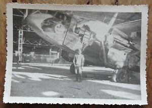 orig-Foto-WW2-WK2-Luftwaffe-zerstoertes-Flugzeug-Hangar-Kennung