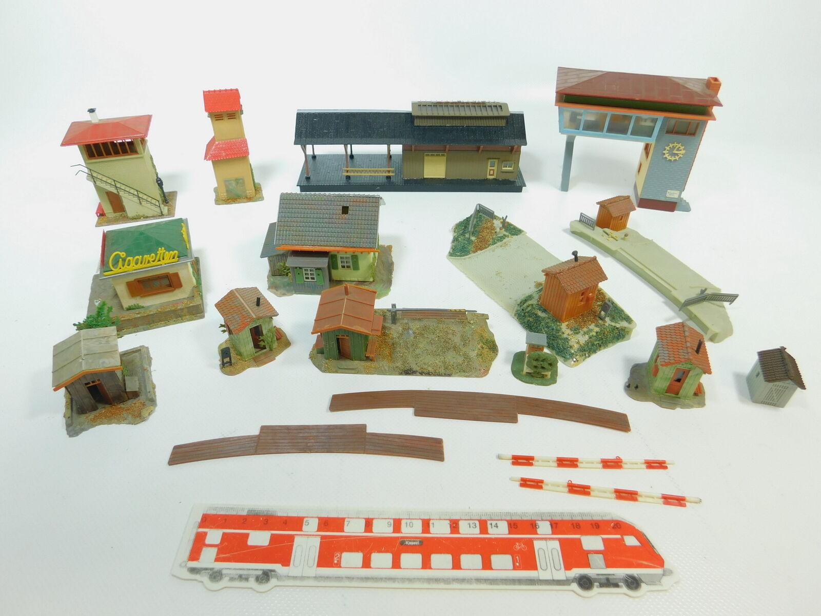 BE922-1  12x Faller H0 Modelle Stellwerke, Kiosk, Wärterhäuschen, Bahnübergänge