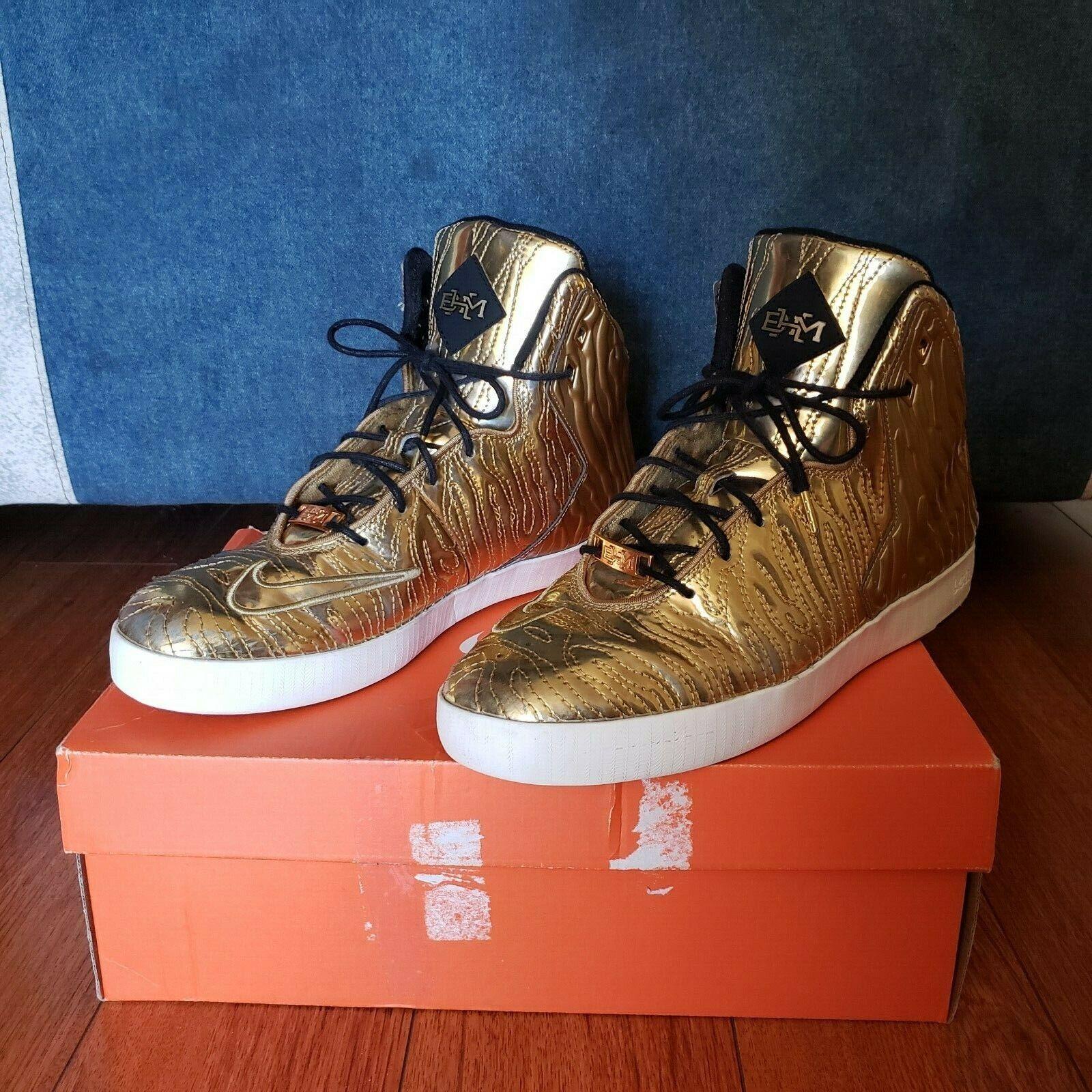 Nike Lebron XI NSW Lifestyle BHM QS 2014 Sz 10 Metallic gold