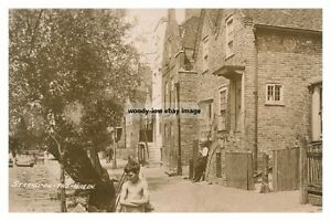 rp16221-Strand-on-the-Green-London-photo-6x4