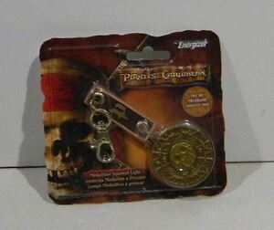 Pirates-of-the-Caribbean-Medalion-has-a-button