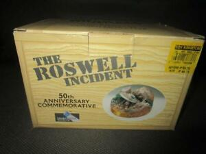 rare-1997-SHADOWBOX-ROSWELL-50TH-ANNIVERSARY-COMMEMORATIVE-MIB