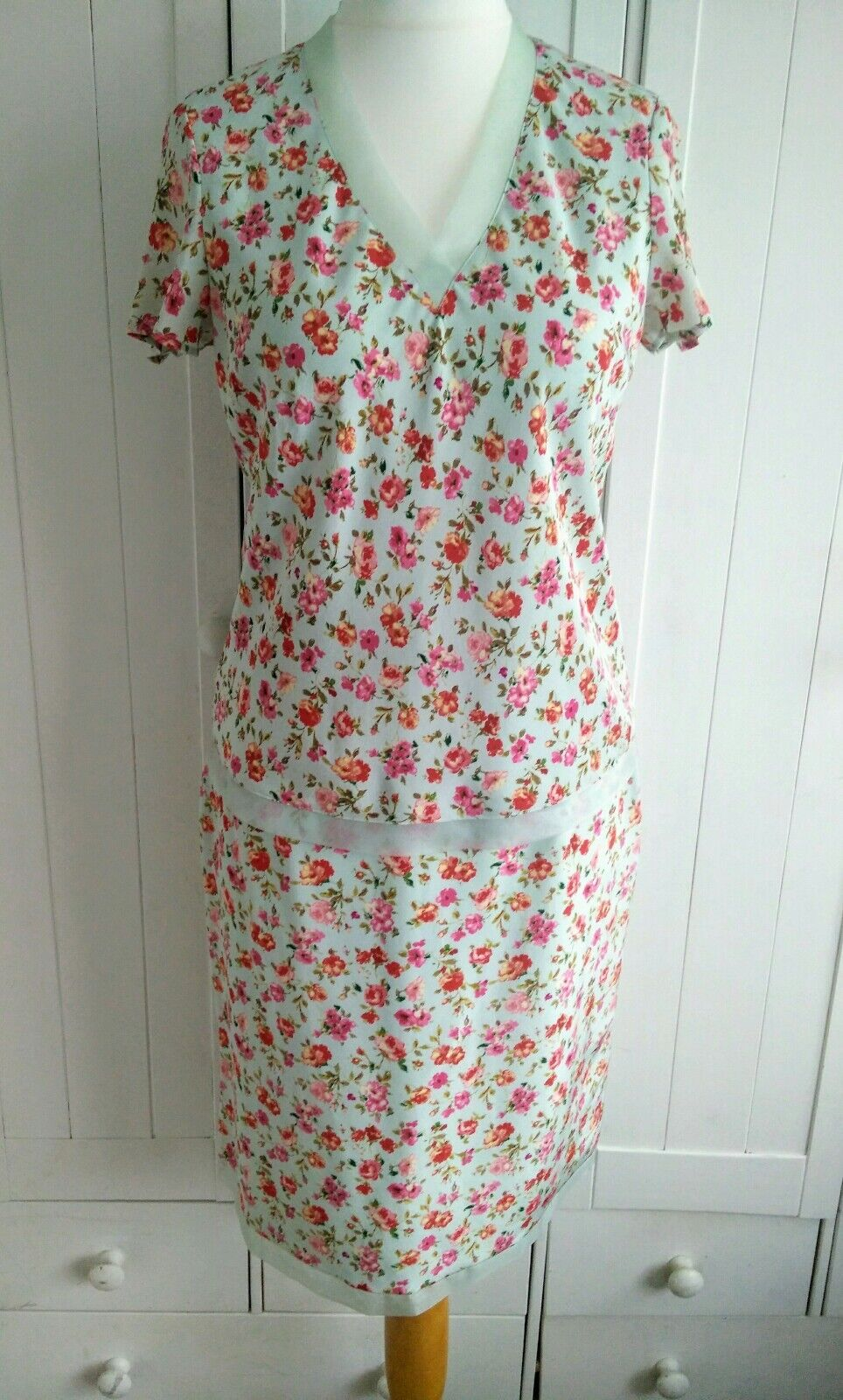 Laura Ashley Silk Green Floral Skirt & Top Outfit Size 12