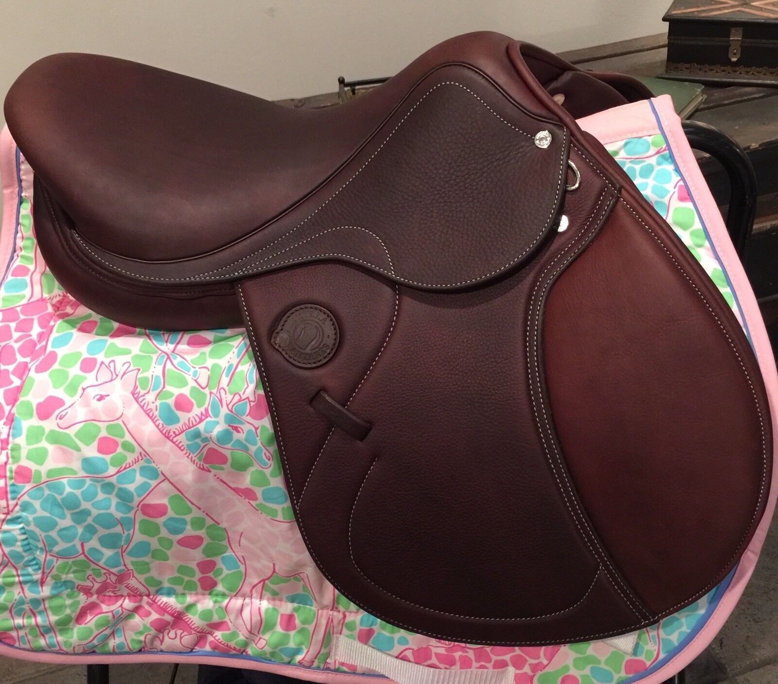 ANTARES CLOSE CONTACT SKYLLA CALFSKIN SADDLE 17.5 wide tree 3N FLAP  NWT