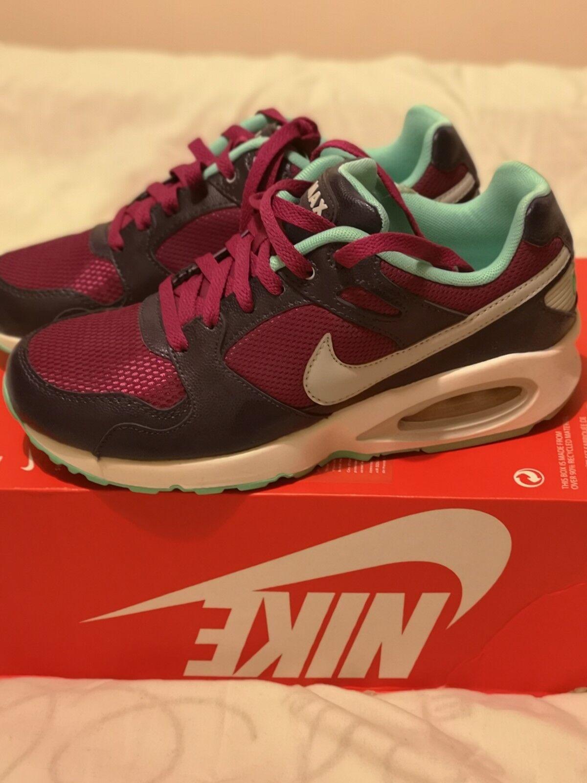 Mujeres Niñas Tenis De Entrenamiento Nike AIR RCR. MAX COLISEO RCR. AIR tamaño de Reino Unido 4.5. cc1ad6