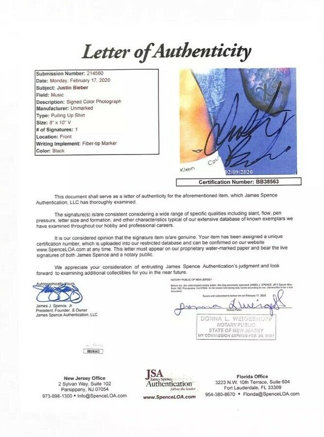 Certificate of Authentication 100/% Genuine Justin Bieber Signed 8 x 10 Photo