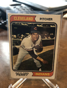 GAYLORD-PERRY-1974-Topps-Baseball-35-Indians